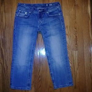 "Miss Me Capri Jeans Size 28 x 20 1/2, Rise 7"""